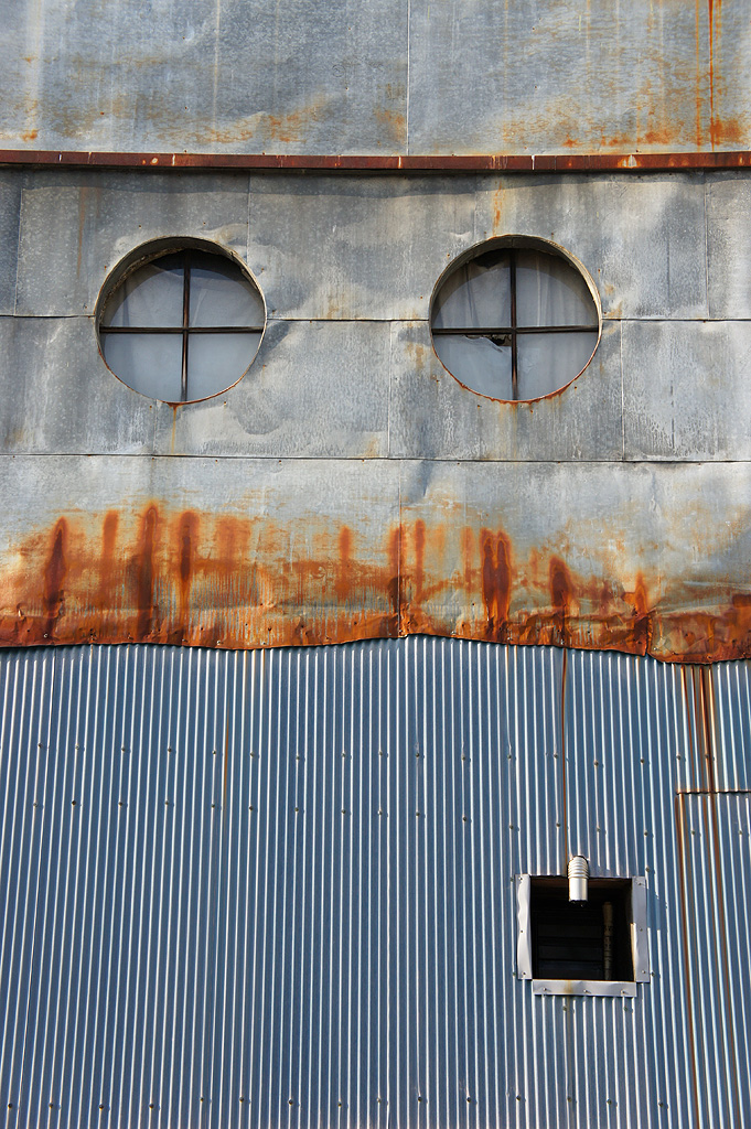 https://bn.dgcr.com/archives/2011/05/12/images/008